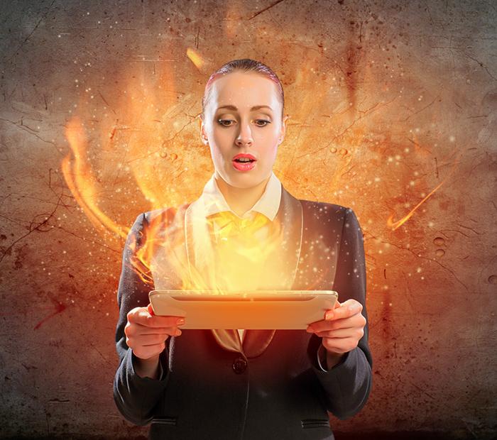 Laptop_Ablaze