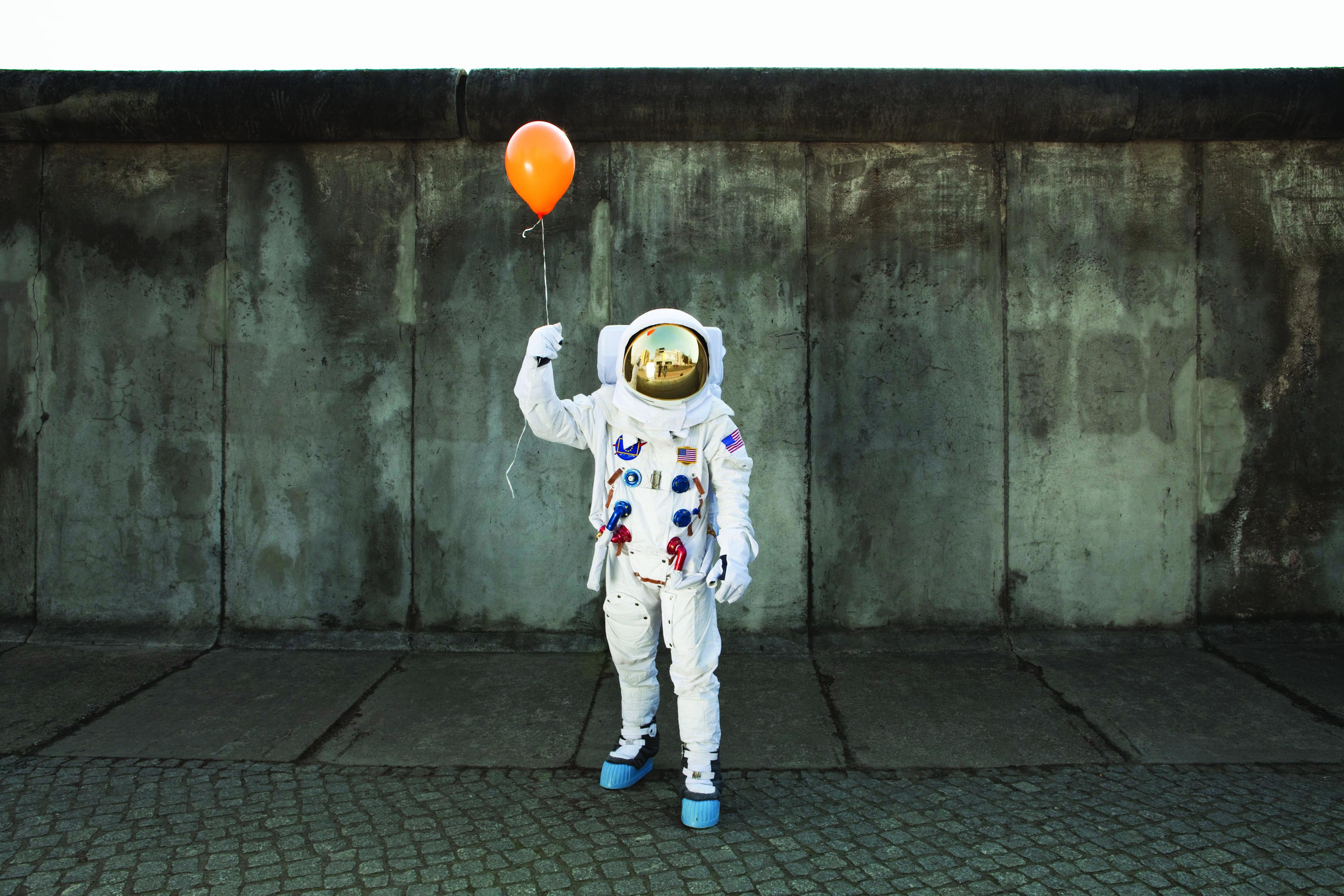 astronaut-balloon