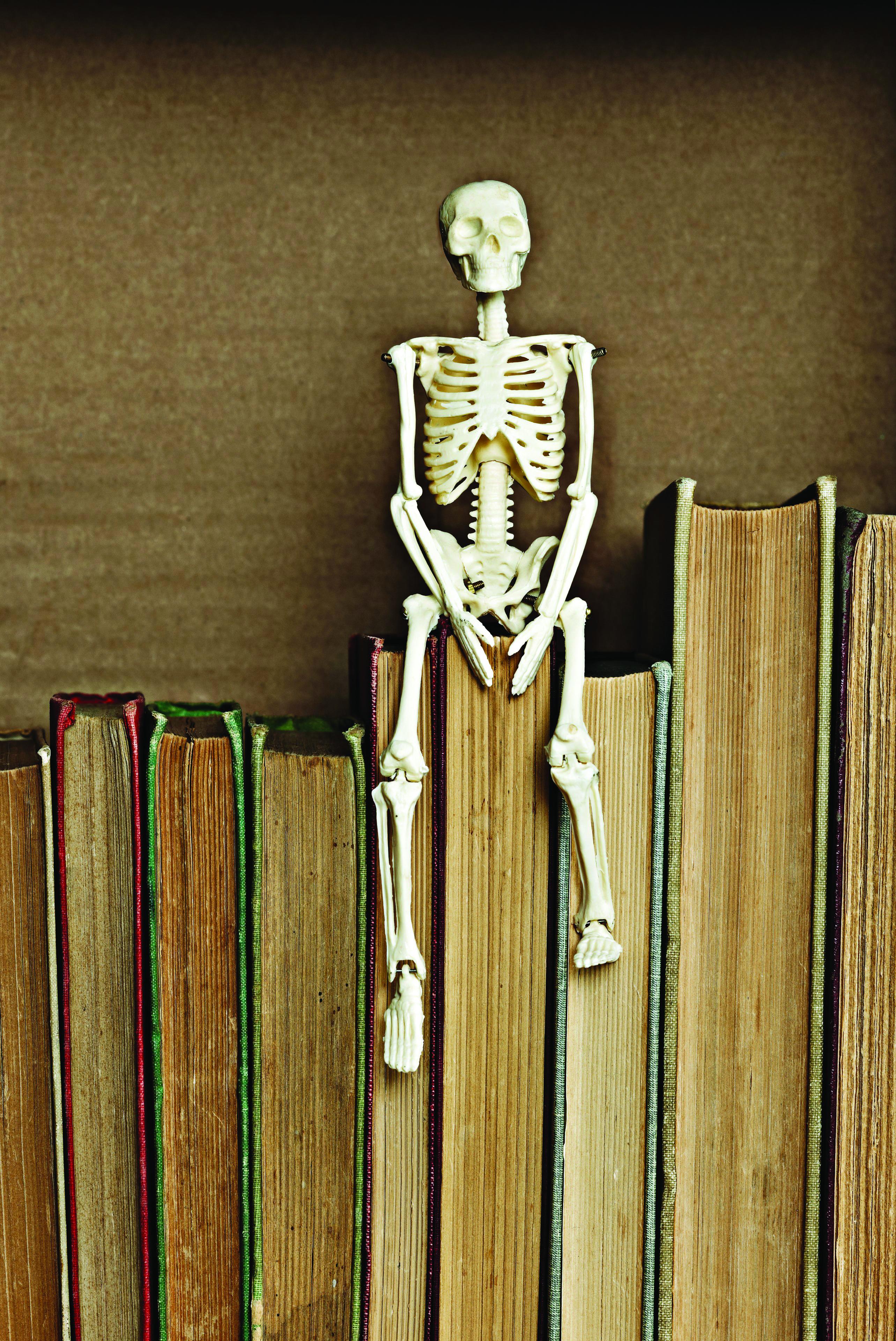 skeleton_books