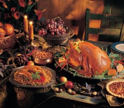 thanksgiving-dinner-potluck-940793-edited.jpg